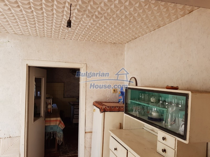 12937:35 - House in good condition between Plovdiv and Stara Zagora