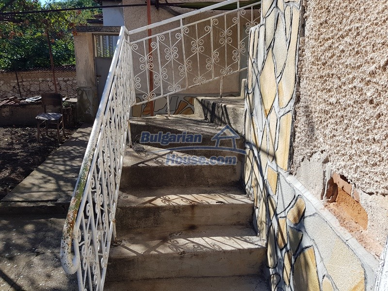 12937:37 - House in good condition between Plovdiv and Stara Zagora