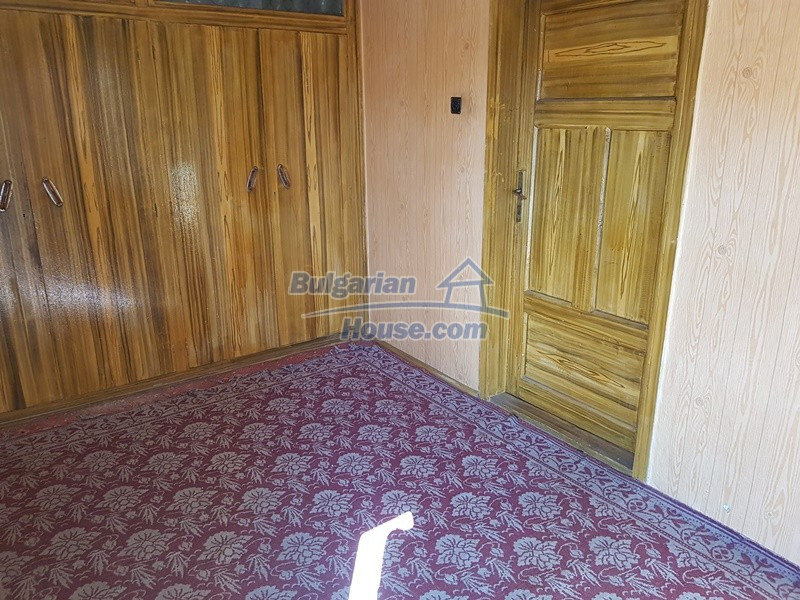 12937:40 - House in good condition between Plovdiv and Stara Zagora