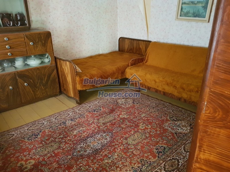 12937:45 - House in good condition between Plovdiv and Stara Zagora