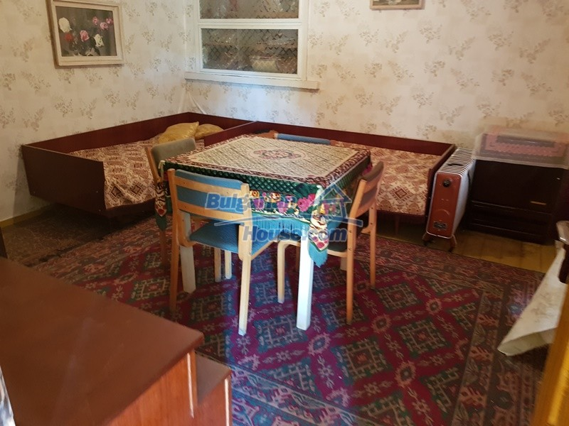 12937:56 - House in good condition between Plovdiv and Stara Zagora