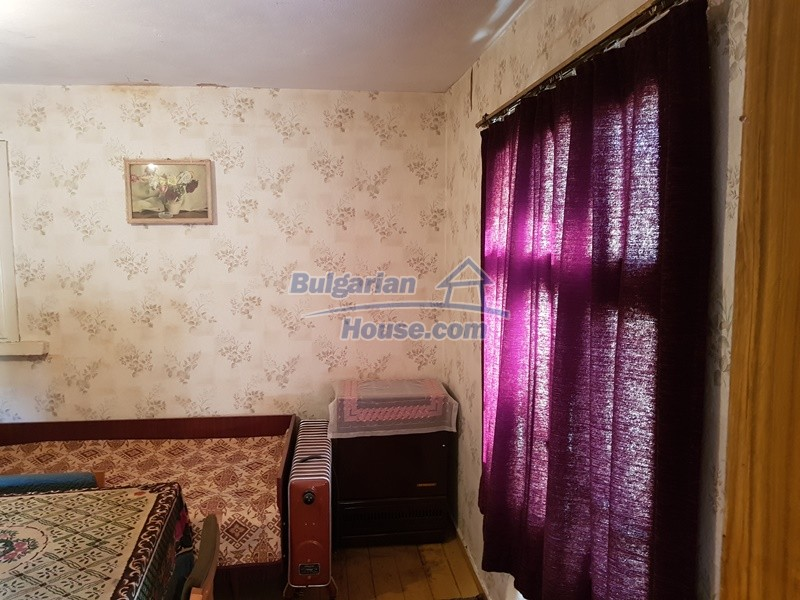12937:57 - House in good condition between Plovdiv and Stara Zagora