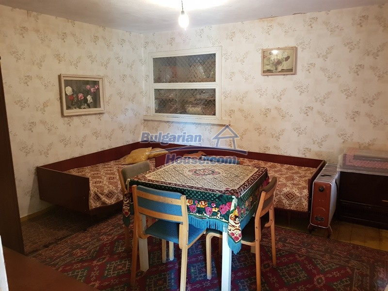 12937:55 - House in good condition between Plovdiv and Stara Zagora