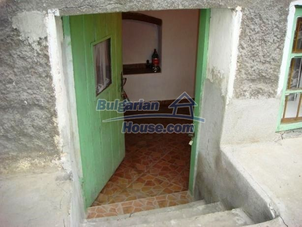 12949:4 - Bulgarian house in habitable condition 26 km to Veliko Tarnovo