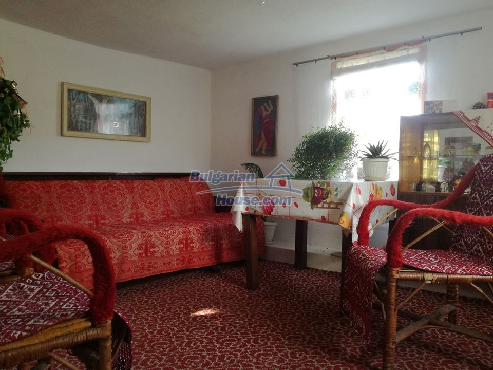 12966:7 - House in good condition near lake Yastrebino Targovishte