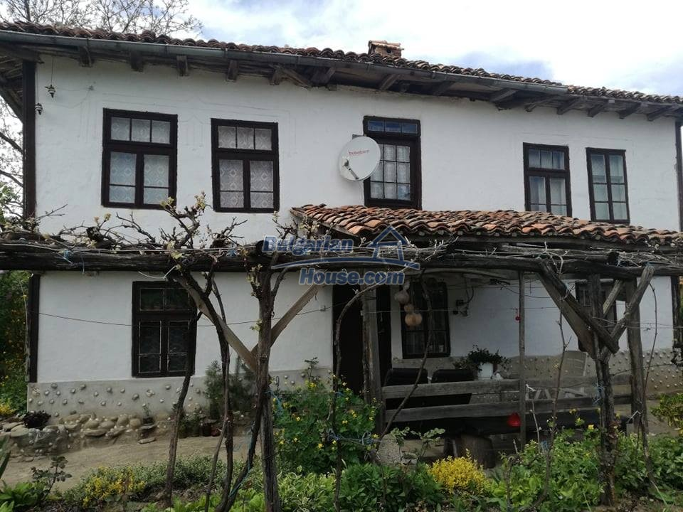 12966:2 - House in good condition near lake Yastrebino Targovishte