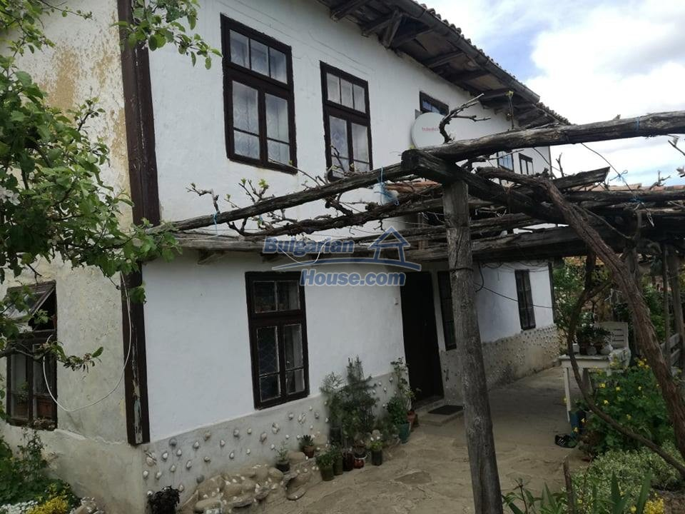12966:3 - House in good condition near lake Yastrebino Targovishte