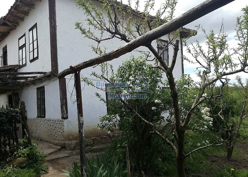 12966:5 - House in good condition near lake Yastrebino Targovishte