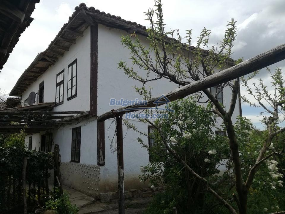 12966:4 - House in good condition near lake Yastrebino Targovishte