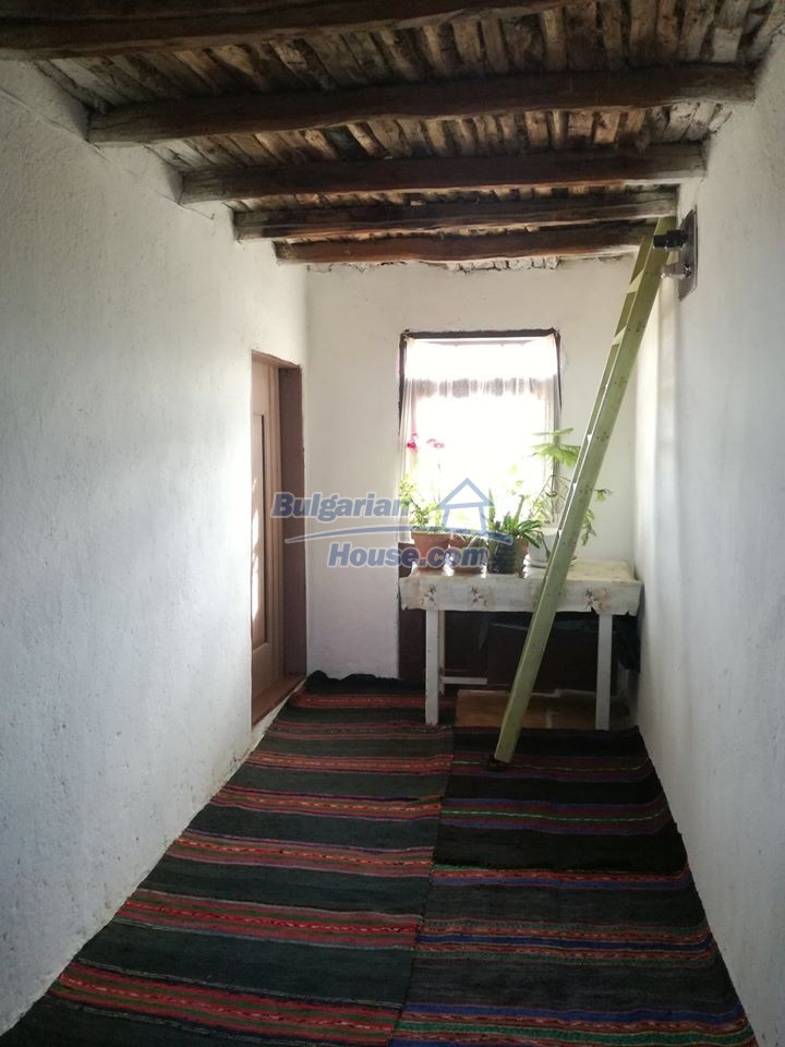 12966:15 - House in good condition near lake Yastrebino Targovishte