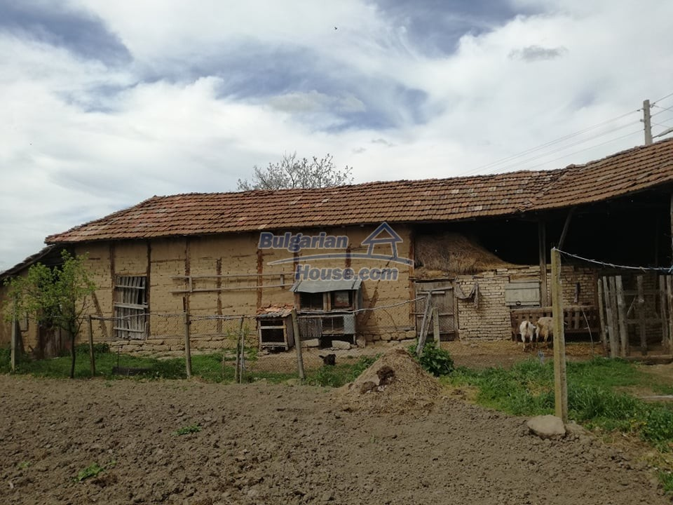 12966:17 - House in good condition near lake Yastrebino Targovishte