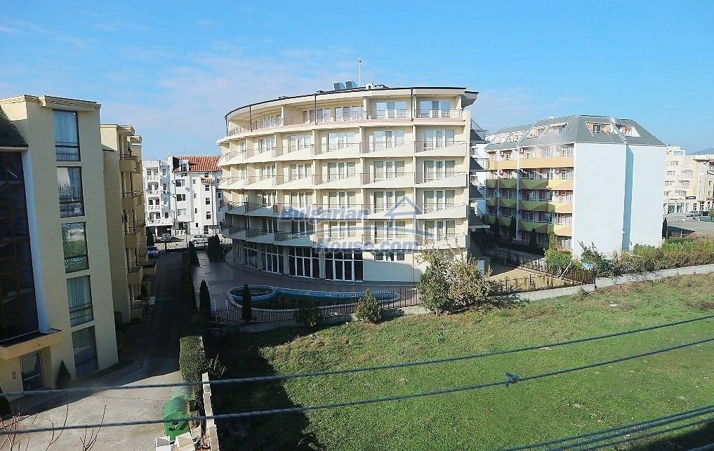 12971:11 - 250 meters from the beach in Sunny beach. No maintenance fee