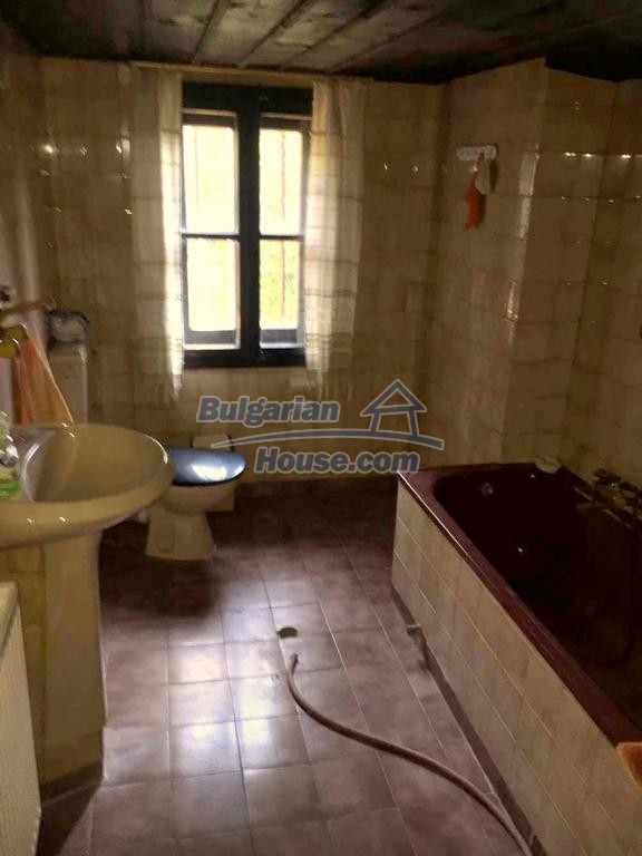 12990:10 - Traditional Bulgarian property with panoramic river and forests