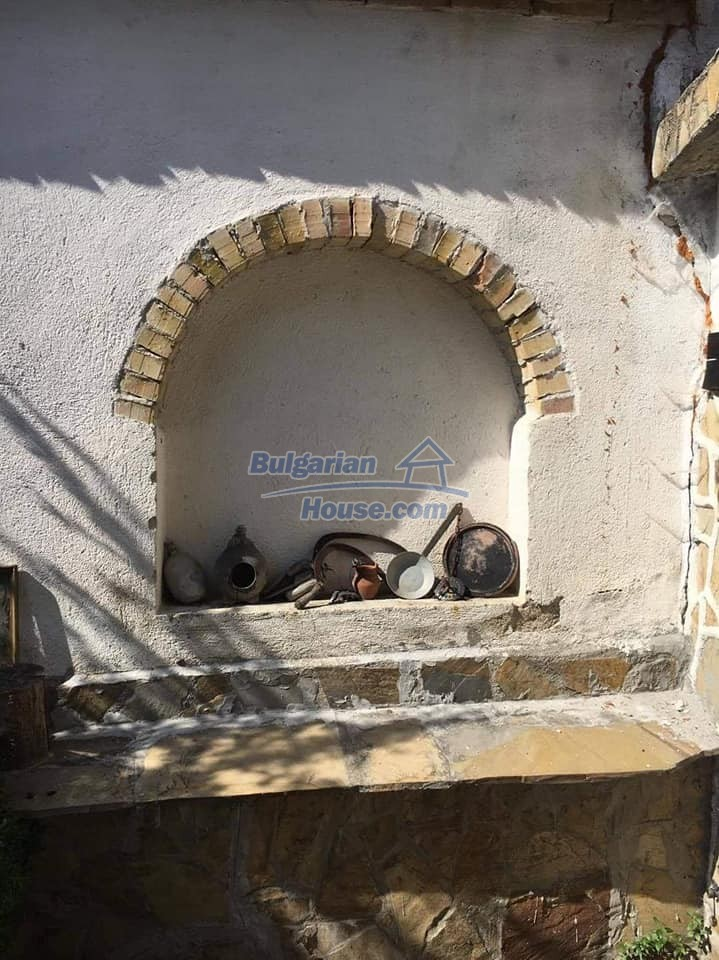 12990:28 - Traditional Bulgarian property with panoramic river and forests