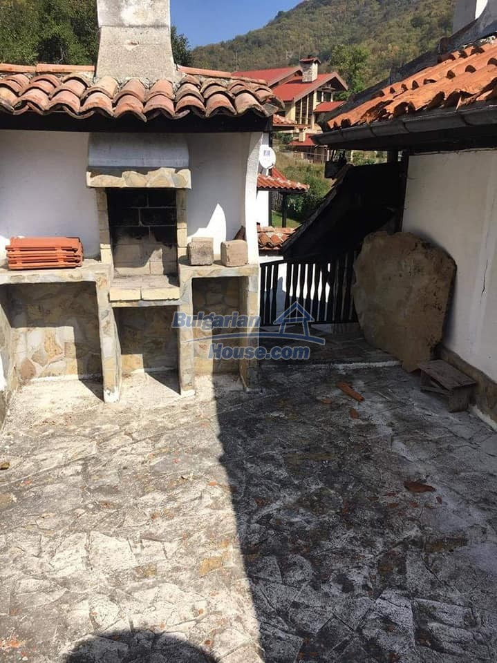12990:27 - Traditional Bulgarian property with panoramic river and forests