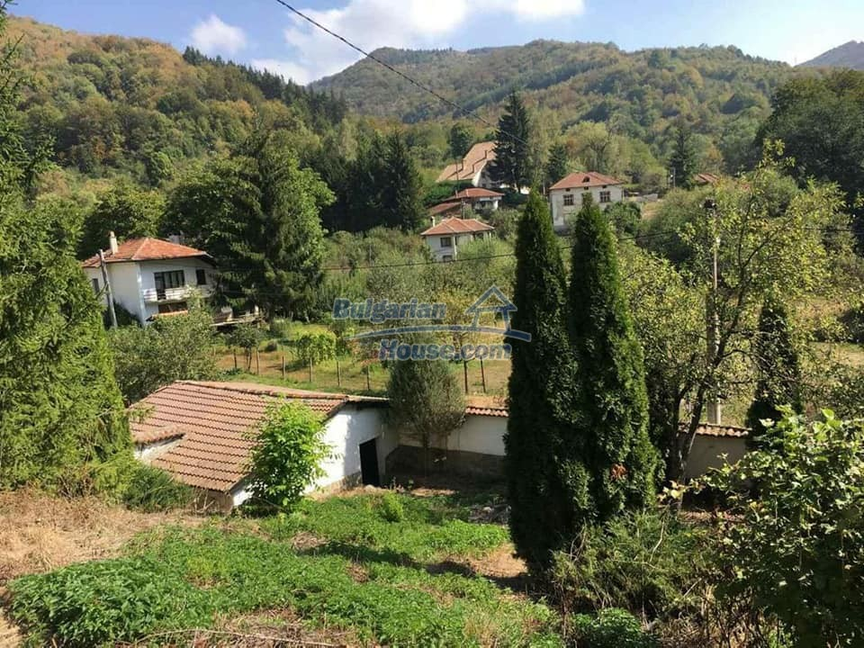 12990:32 - Traditional Bulgarian property with panoramic river and forests
