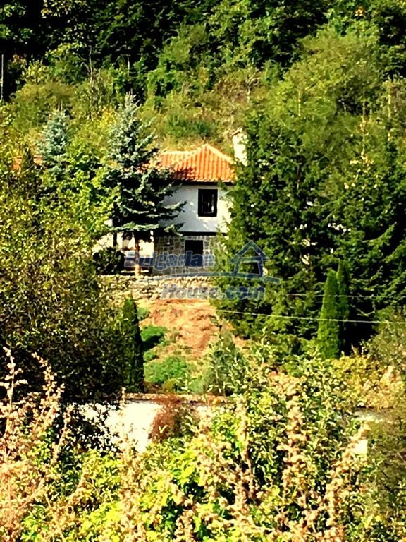 12990:34 - Traditional Bulgarian property with panoramic river and forests