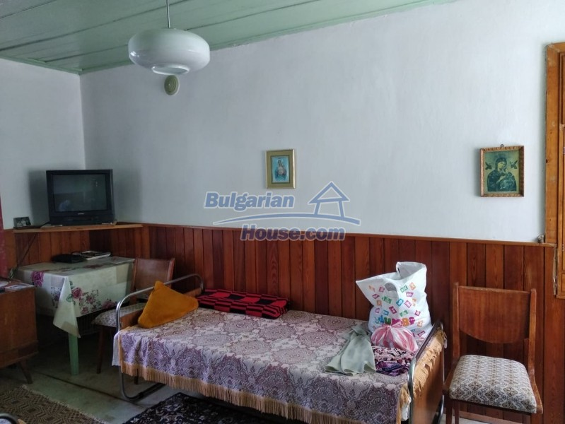 13004:13 - Bulgarian property for sale with large stone barn & former shop