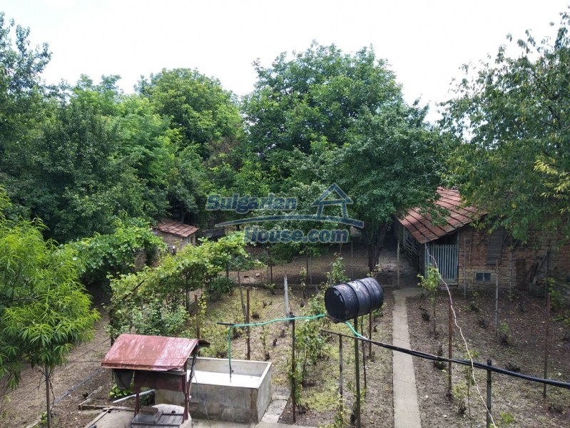 13004:25 - Bulgarian property for sale with large stone barn & former shop