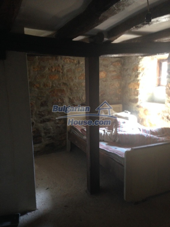 13007:4 - Partly renovated Bulgarian house in a nice village Popovo area