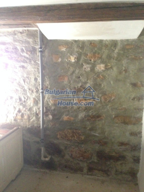 13007:6 - Partly renovated Bulgarian house in a nice village Popovo area