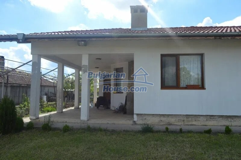 13029:1 - Bulgarian house with only 4 km from Dobrich city