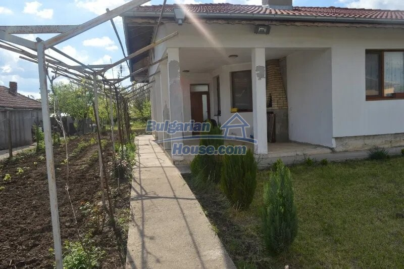 13029:2 - Bulgarian house with only 4 km from Dobrich city
