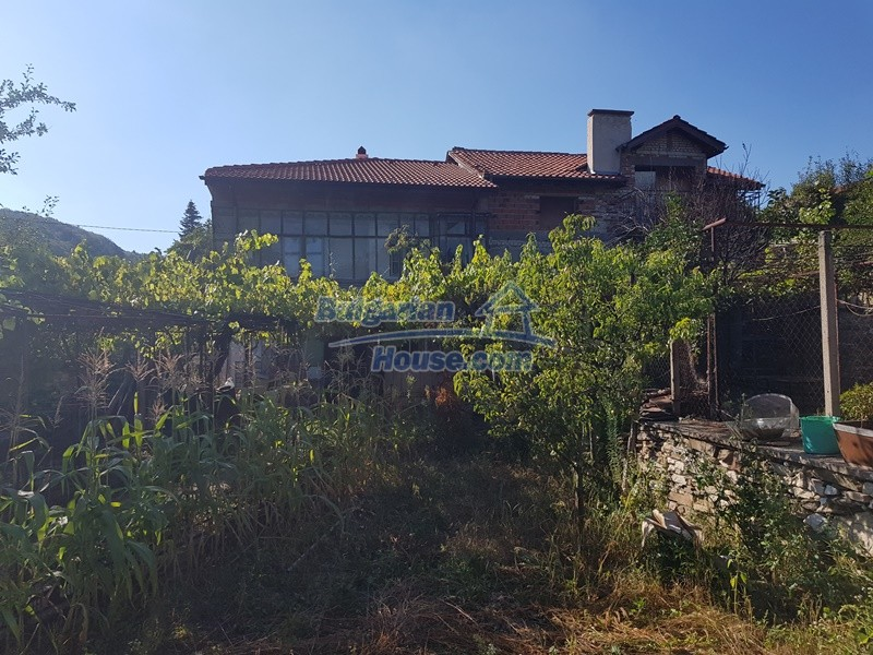 13053:1 - House for sale in lyaskovo 20 km from Plovdiv city
