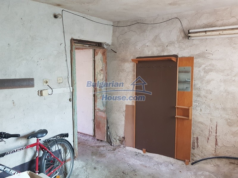 13053:9 - House for sale in lyaskovo 20 km from Plovdiv city