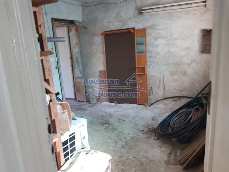 13053:11 - House for sale in lyaskovo 20 km from Plovdiv city
