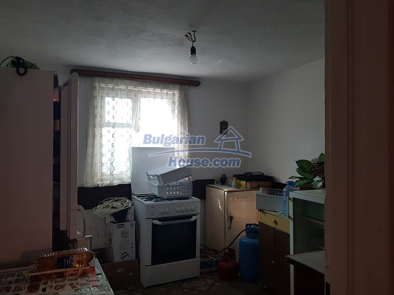 13053:15 - House for sale in lyaskovo 20 km from Plovdiv city