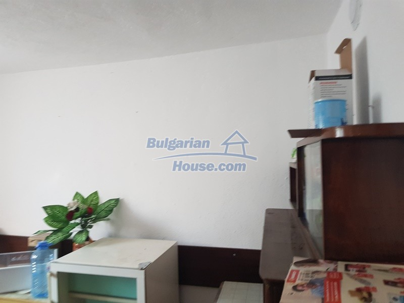 13053:13 - House for sale in lyaskovo 20 km from Plovdiv city