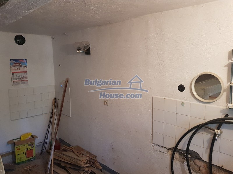 13053:18 - House for sale in lyaskovo 20 km from Plovdiv city