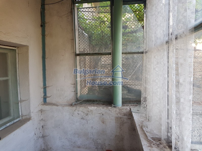 13053:20 - House for sale in lyaskovo 20 km from Plovdiv city