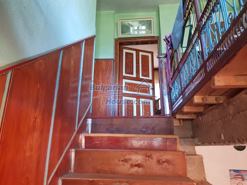 13053:23 - House for sale in lyaskovo 20 km from Plovdiv city