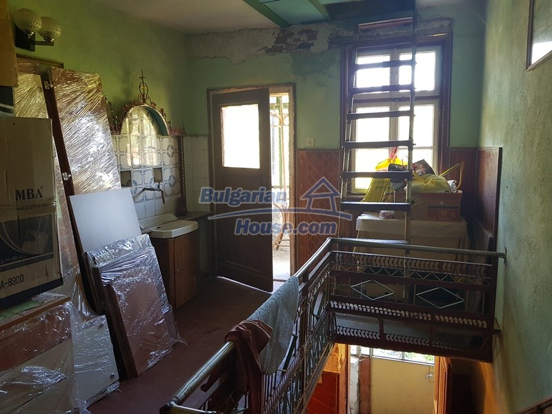 13053:26 - House for sale in lyaskovo 20 km from Plovdiv city
