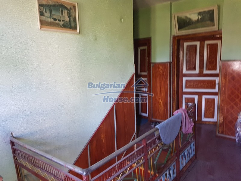 13053:27 - House for sale in lyaskovo 20 km from Plovdiv city