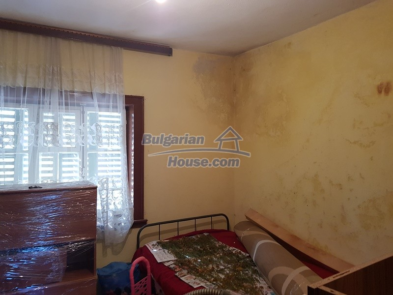 13053:35 - House for sale in lyaskovo 20 km from Plovdiv city