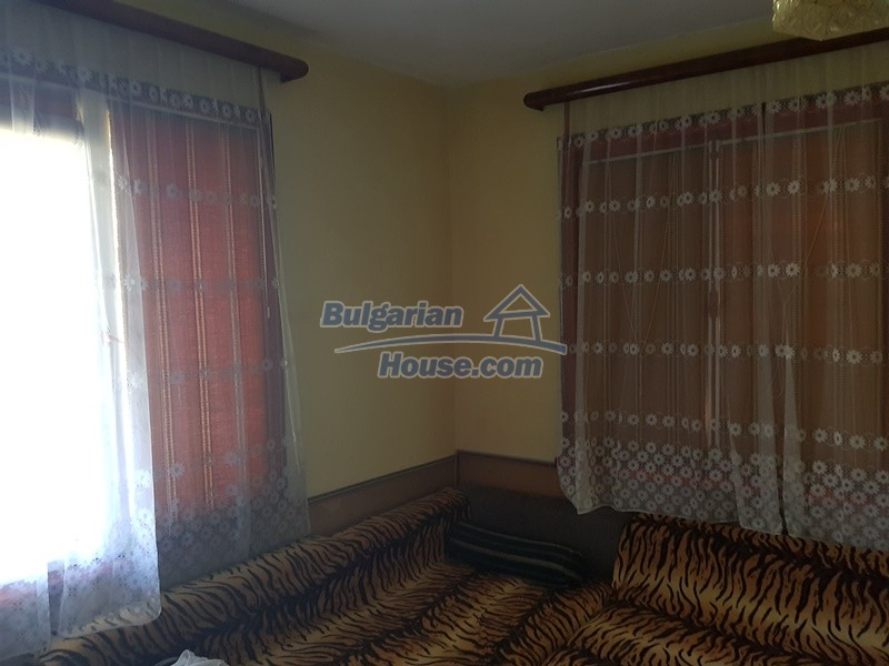 13053:46 - House for sale in lyaskovo 20 km from Plovdiv city