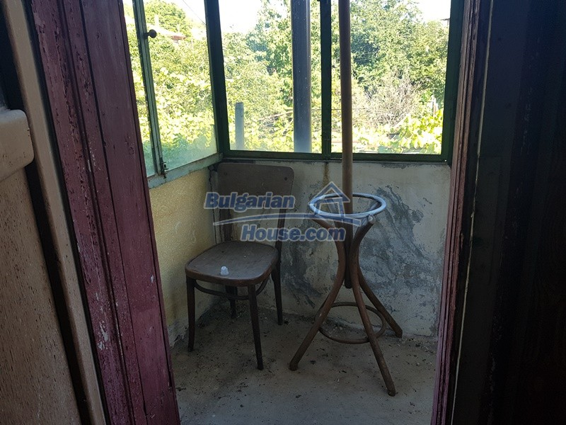 13053:51 - House for sale in lyaskovo 20 km from Plovdiv city