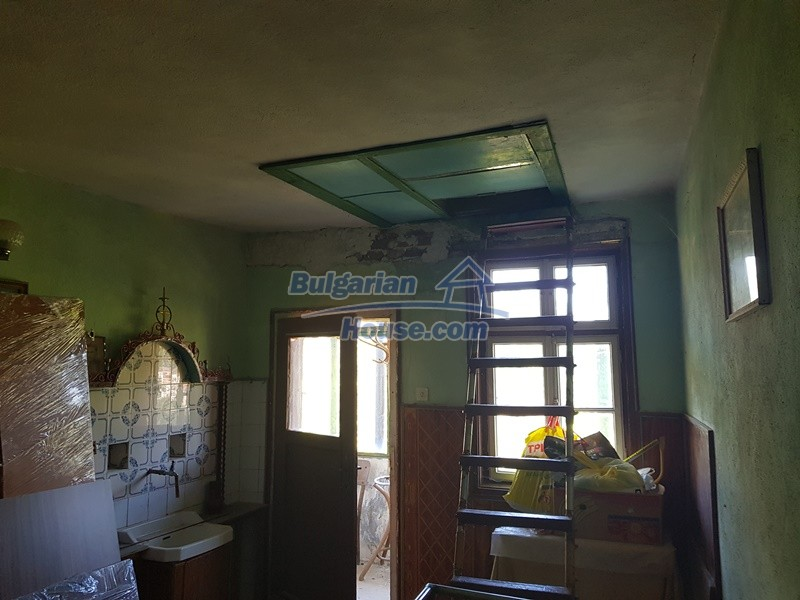 13053:62 - House for sale in lyaskovo 20 km from Plovdiv city