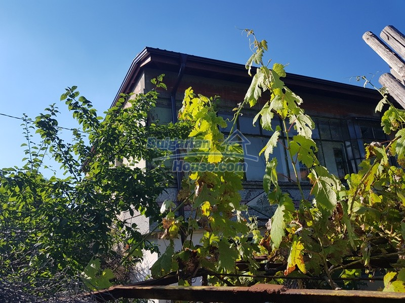 13053:79 - House for sale in lyaskovo 20 km from Plovdiv city