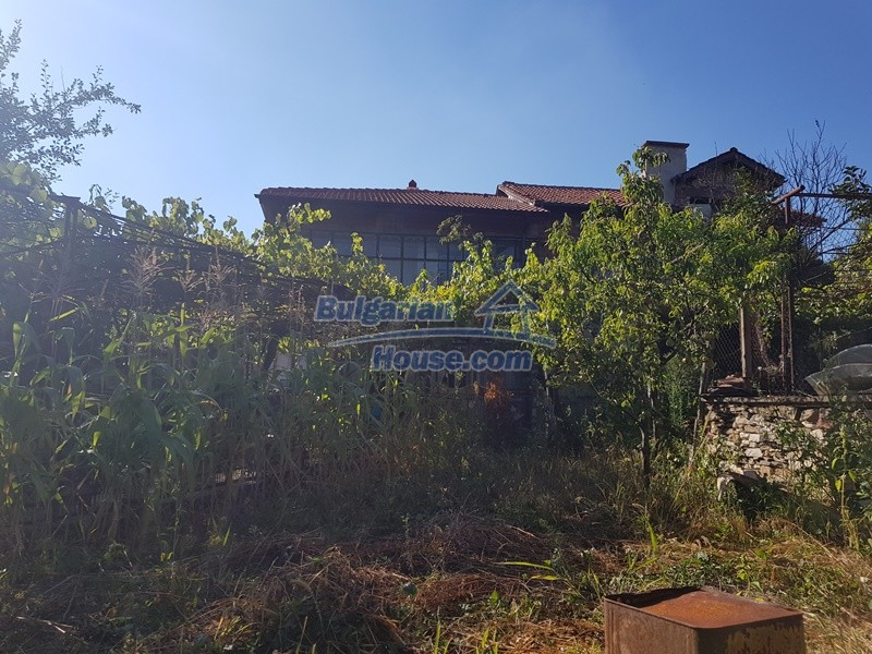 13053:78 - House for sale in lyaskovo 20 km from Plovdiv city