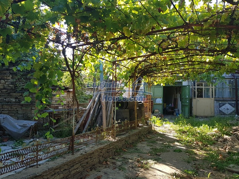 13053:76 - House for sale in lyaskovo 20 km from Plovdiv city