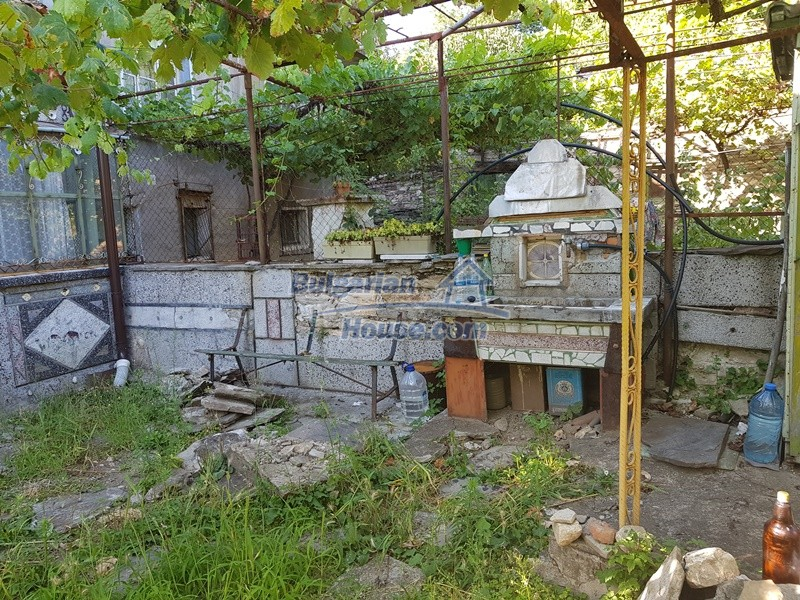 13053:83 - House for sale in lyaskovo 20 km from Plovdiv city