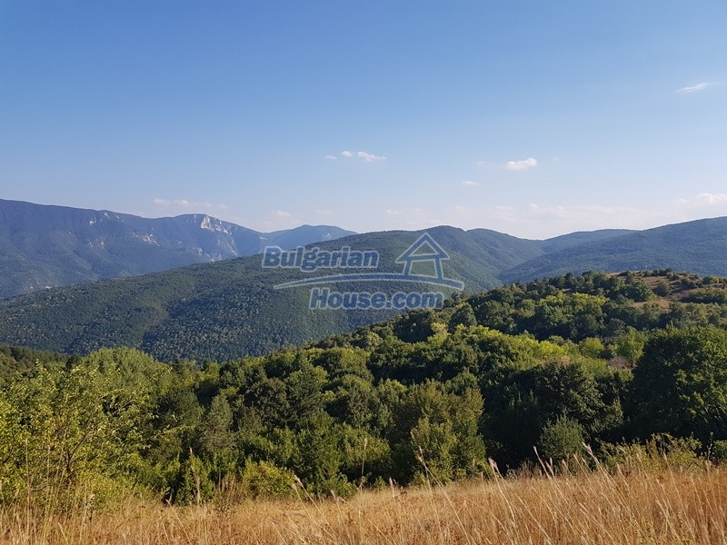 13053:87 - House for sale in lyaskovo 20 km from Plovdiv city