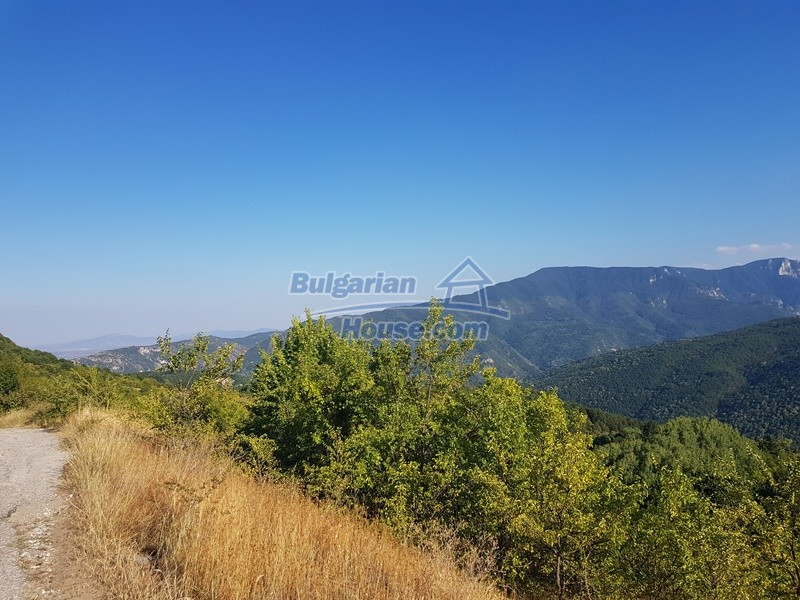 13053:86 - House for sale in lyaskovo 20 km from Plovdiv city