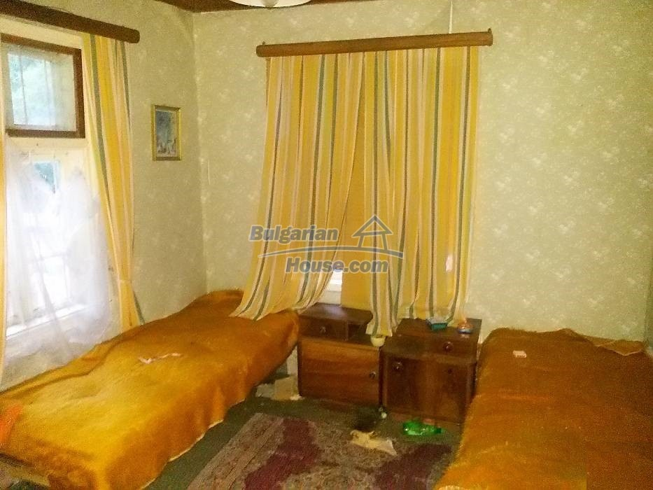 13071:7 - Cheap house for sale  55 km from Veliko Tarnovo with big garden