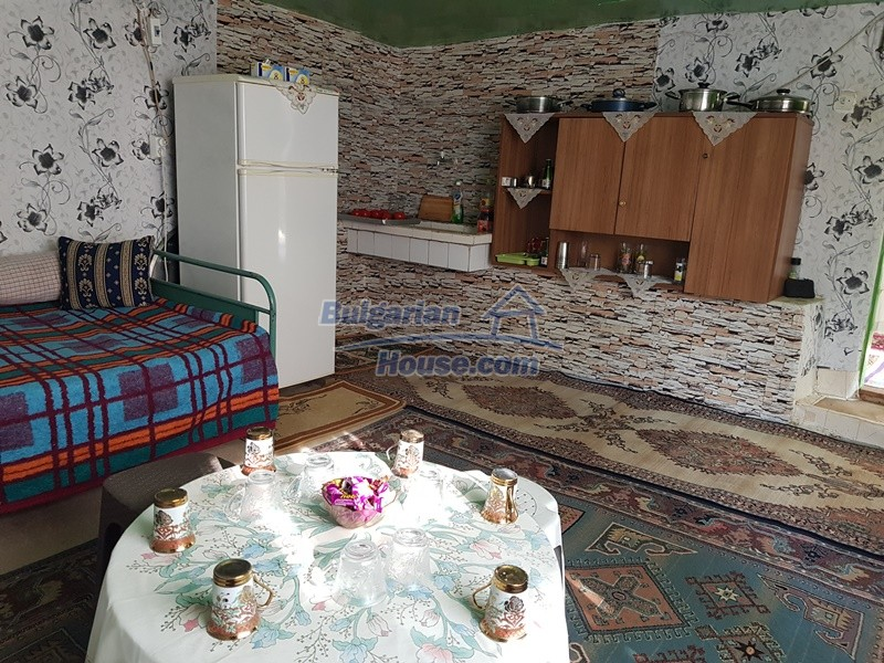 13073:11 - House in good condition  in a peaceful place close to Popovo