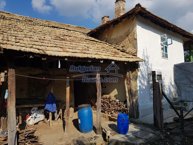 13073:4 - House in good condition  in a peaceful place close to Popovo